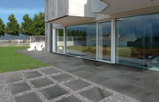Black-Stone-Porcelain-Pavers-Walk-Way-01