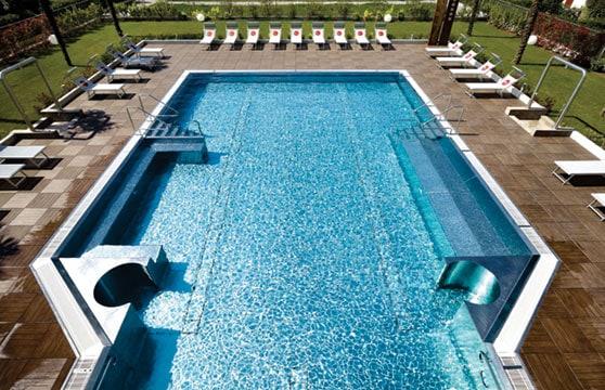 Mocha-Plank-Porcelain-Pavers-Pool-Deck-01