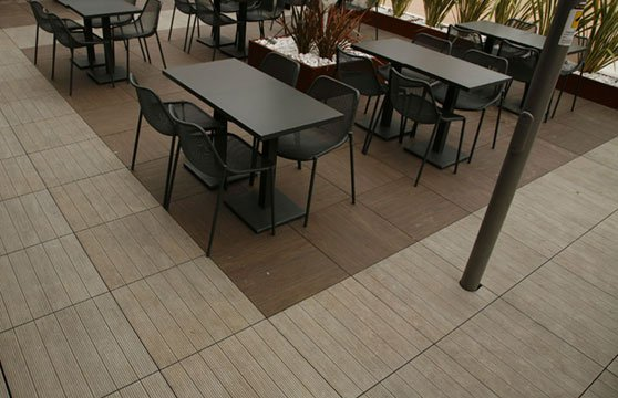 Natural-Plank-Porcelain-Pavers-Resturant-Deck-00