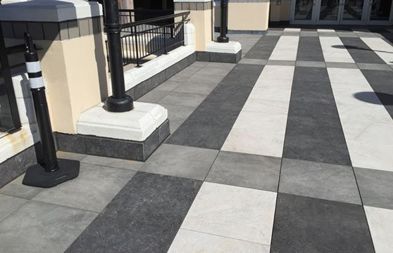 Quartzite-White-Porcelain-Pavers-Plaza-Deck