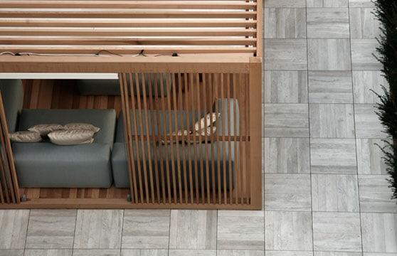 Rustic-Maple-Porcelain-Pavers-Deck-06