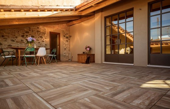 Rustic-Oak-Porcelain-Pavers-Patio-Deck-02