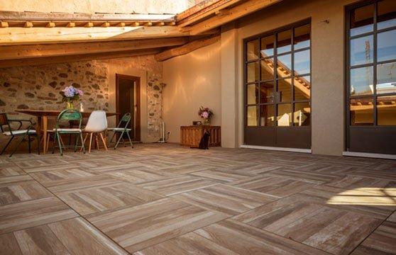 Rustic-Oak-Porcelain-Pavers-Patio-Deck-02