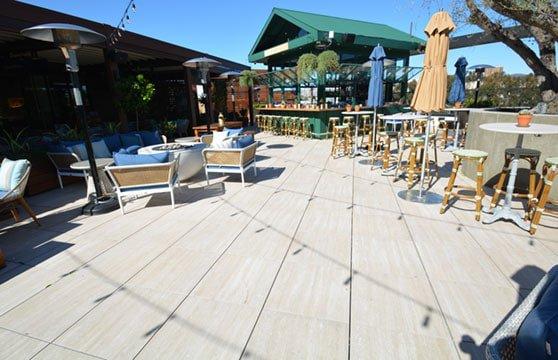 Travertine-Tan-Porcelain-Pavers-Resturant-Roof-Deck-01