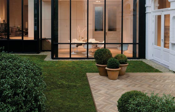 Chevron-Wood-Porcelain-Pavers–Deck-00