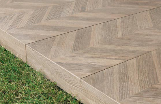 Chevron-Wood-Porcelain-Pavers–Deck-03