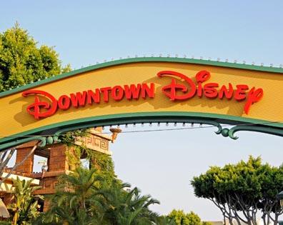 DT Disney Catal - Restaurant - Rooftop-Deck