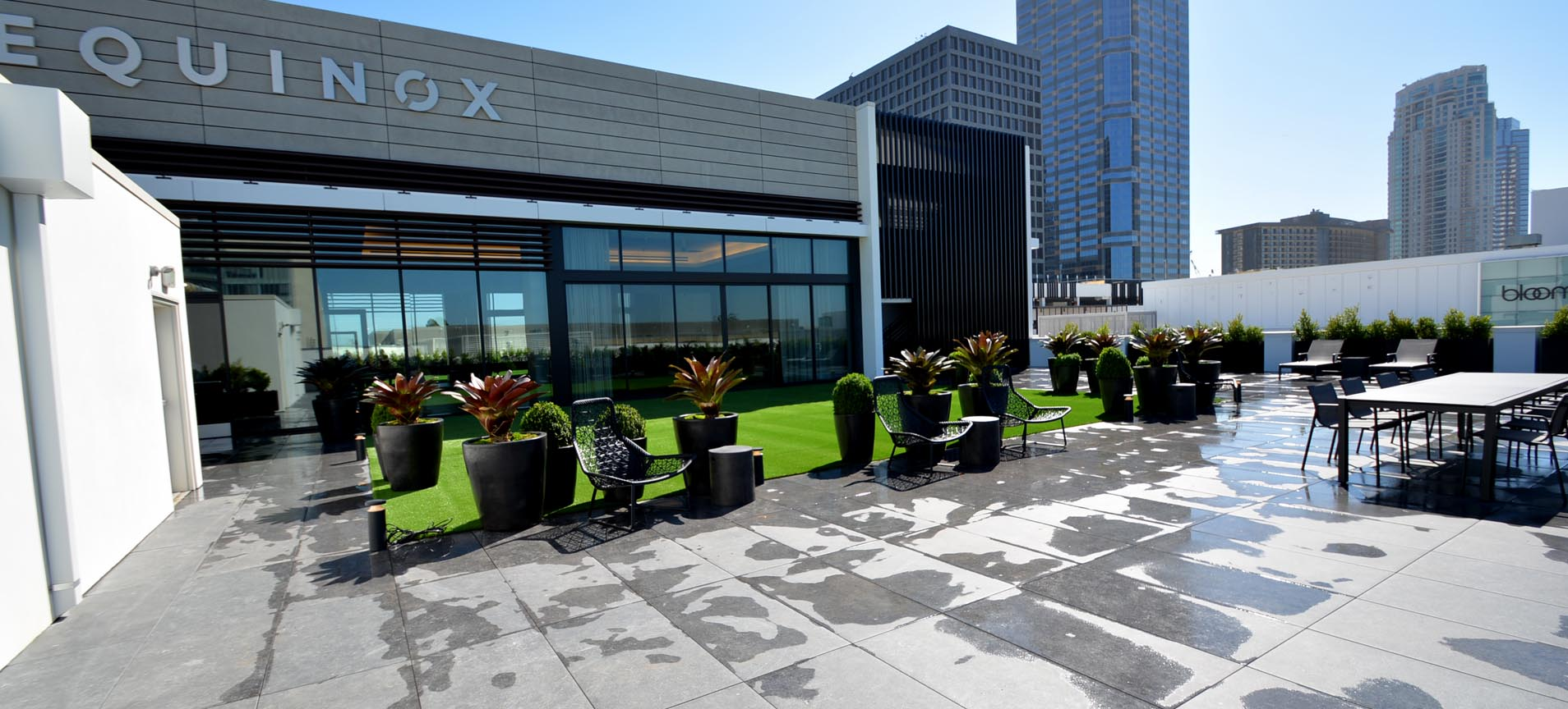 5 Ways Deck Turf Will Elevate Your Roof Deck