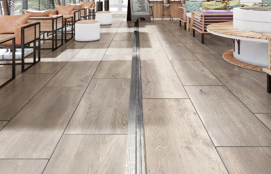 Solid-Wood-Maple-Porcelain-Pavers-Deck-04