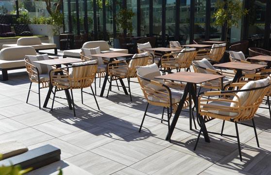Rustic-Maple-Porcelain-Pavers-Restaurant-Deck-01