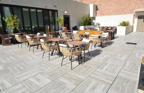Rustic-Maple-Porcelain-Pavers-Restaurant-Deck-03